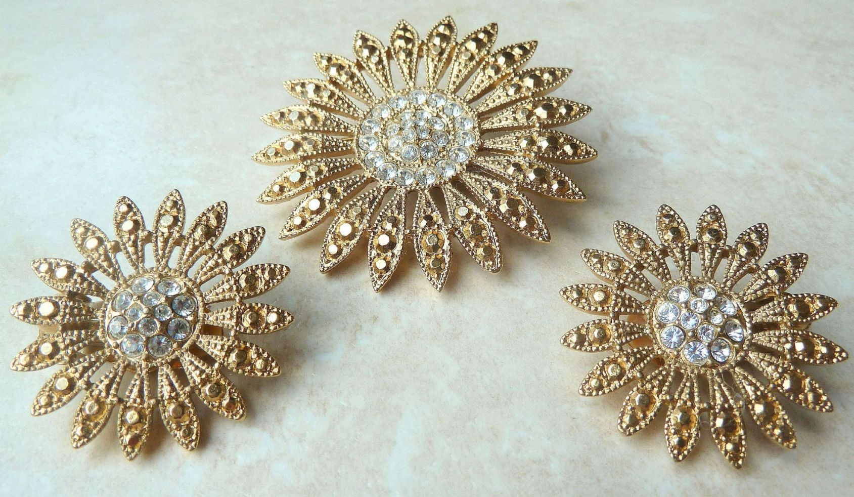 Vintage Jewellery Sets, Modern Jewellery sets, Collectable ...